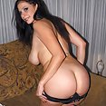Big Tits Model Gianna Michaels strips and masterbates - image 2